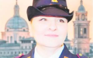 ELENA PAGANI. LA POLIZIOTTA CHE CI DIFENDE CON LA MATITA