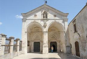 All39Auditorium-Beato-Bronislao-Markiewicz-nel-Santuario-di-San-Michele-Arcangelo-a-Monte-Sant39Angelo-si-svolger-il-Meeting-del-Cammino