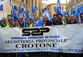Crotone-il-SAP-raddoppia-gli-iscritti-e-diventa-il-primo-sindacato